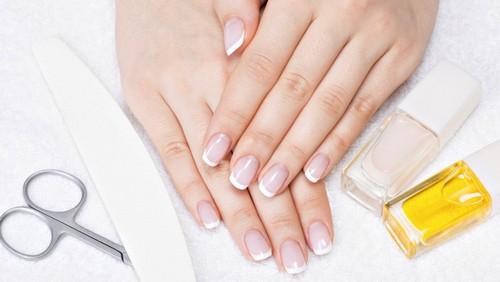 Ломкие и слоящиеся ногти: уход за ногтями в домашних условиях