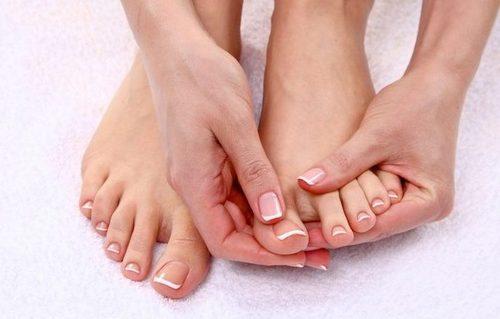 Бережем ногти смолоду